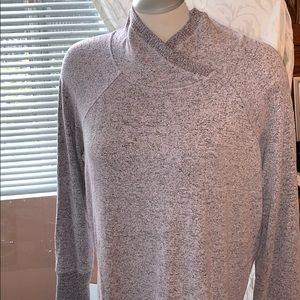 Reitman's Hyba soft sweater